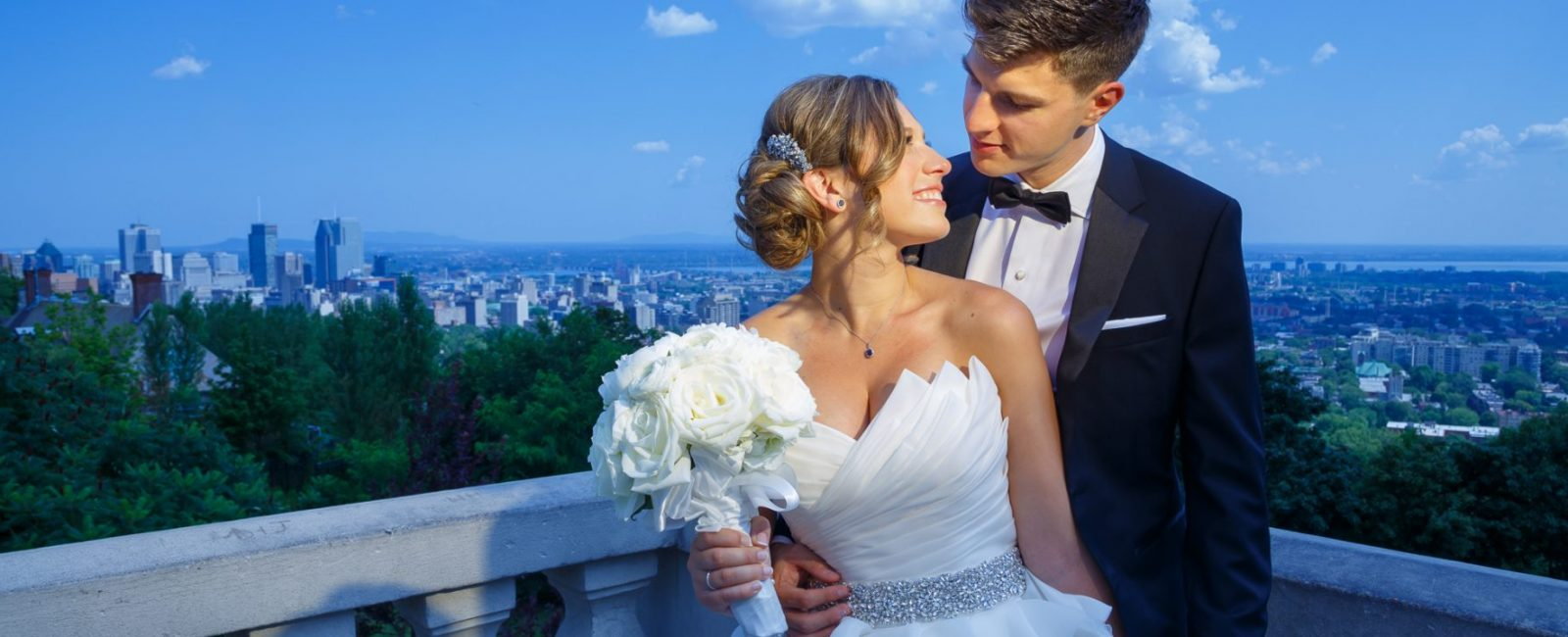 Wedding couple in Montreal scenic view